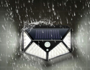 Светодиодный уличный светильник с датчиком движения на солнечной батарее НайтЛайт-3, 100 светодиодов_2